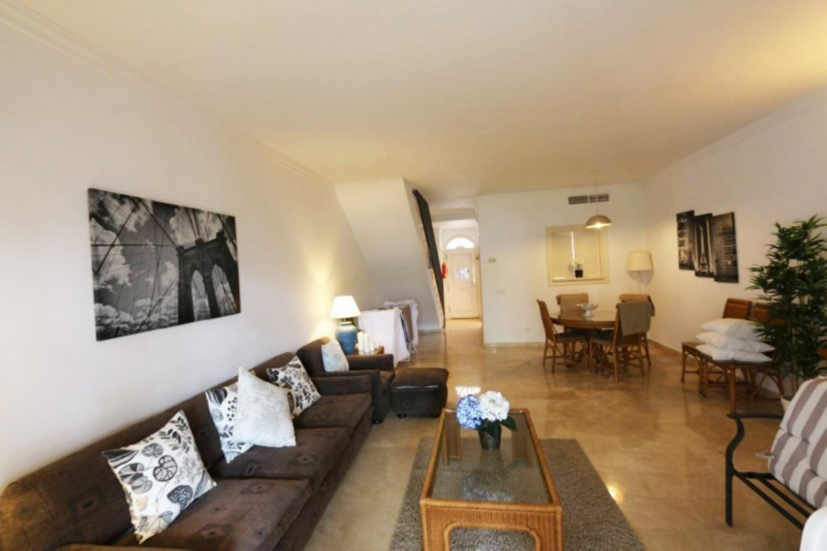Very Cosy and spacious townhouse situated in Aloha Gardens -Nueva Andalucia, in a popular urbanisati, Spain
