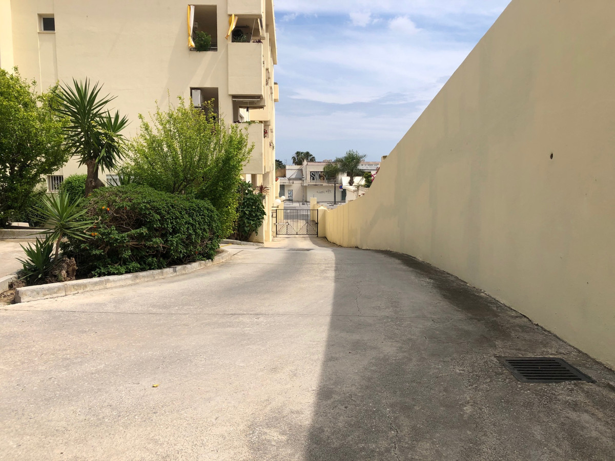 3 Bedroom Semi Detached Villa For Sale La Carihuela