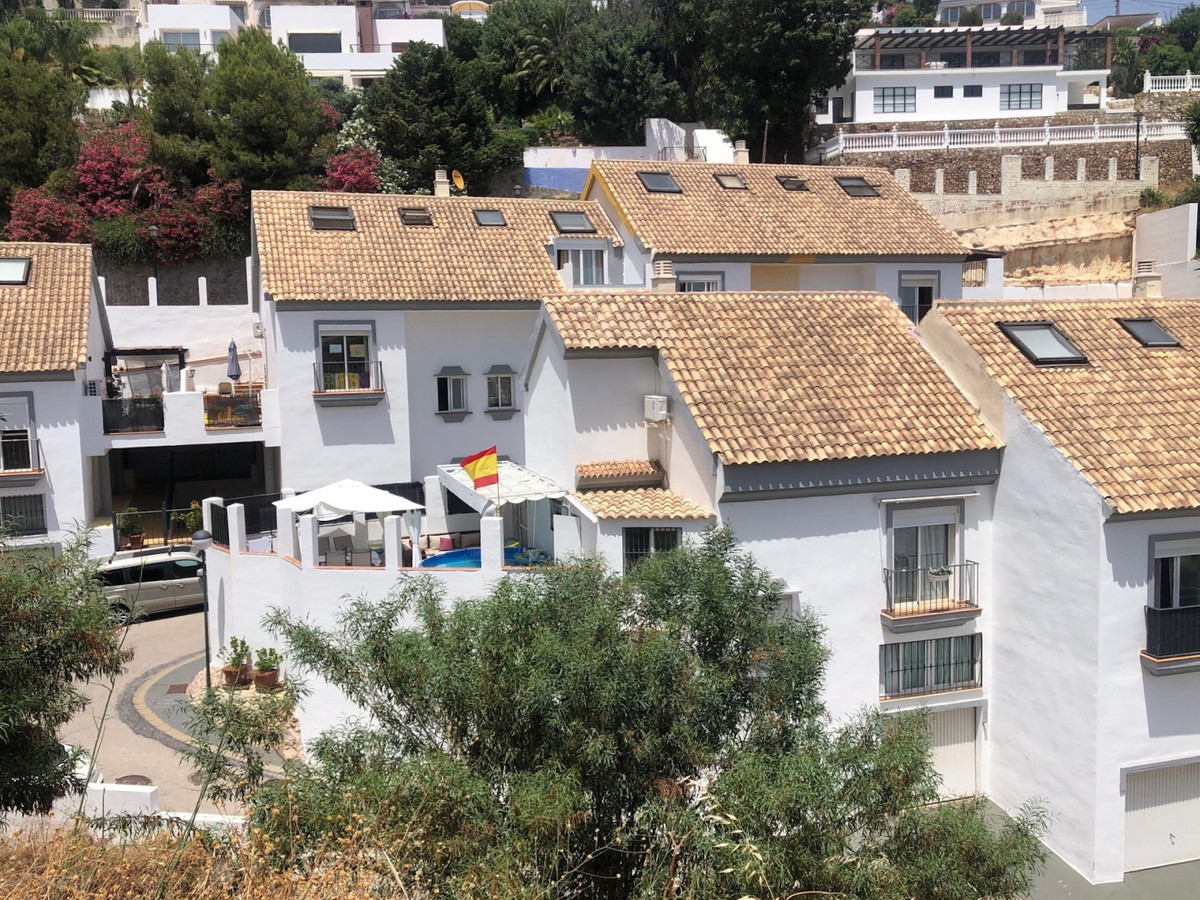 Fuengirola - Torreblanca; two houses in one with community pool and views Fuengirola, Torreblanca ar, Spain