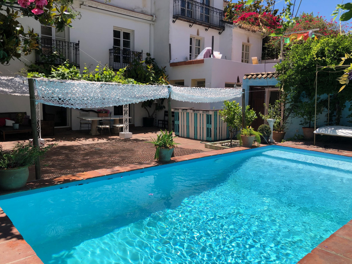 2 Bedroom Terraced Townhouse For Sale Marbella
