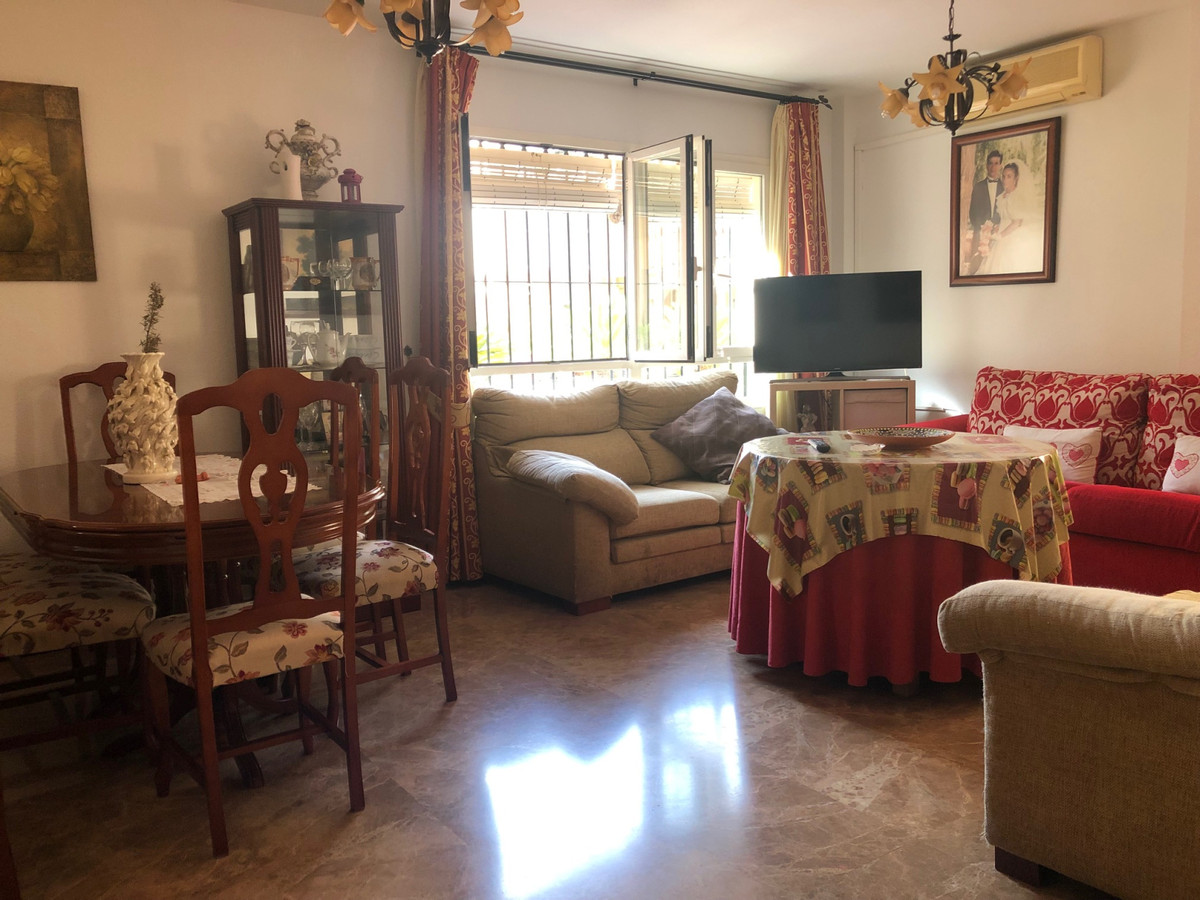 Apartment in Alhaurín de la Torre R3439084 2