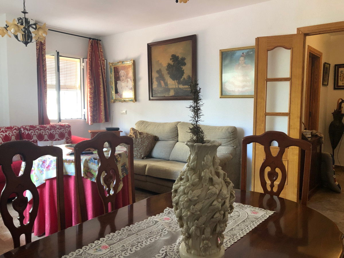 Apartment in Alhaurín de la Torre R3439084 3