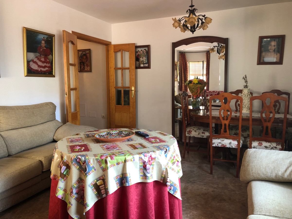 Apartment in Alhaurín de la Torre R3439084 4