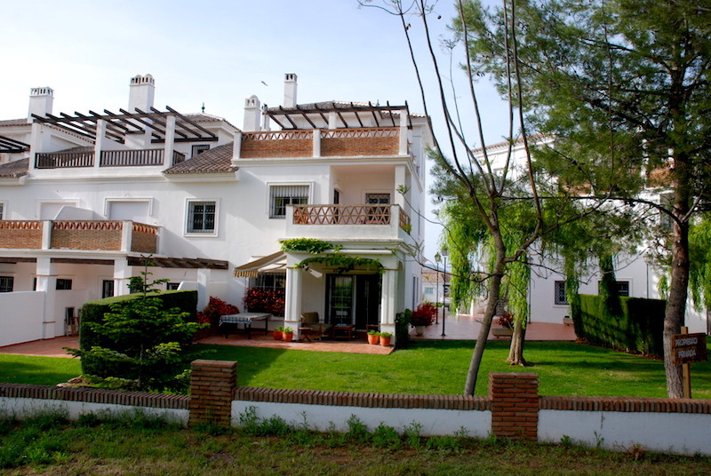 Luxury townhouse for golf lovers. If you like golf and nature this is definitely the property you we, Spain