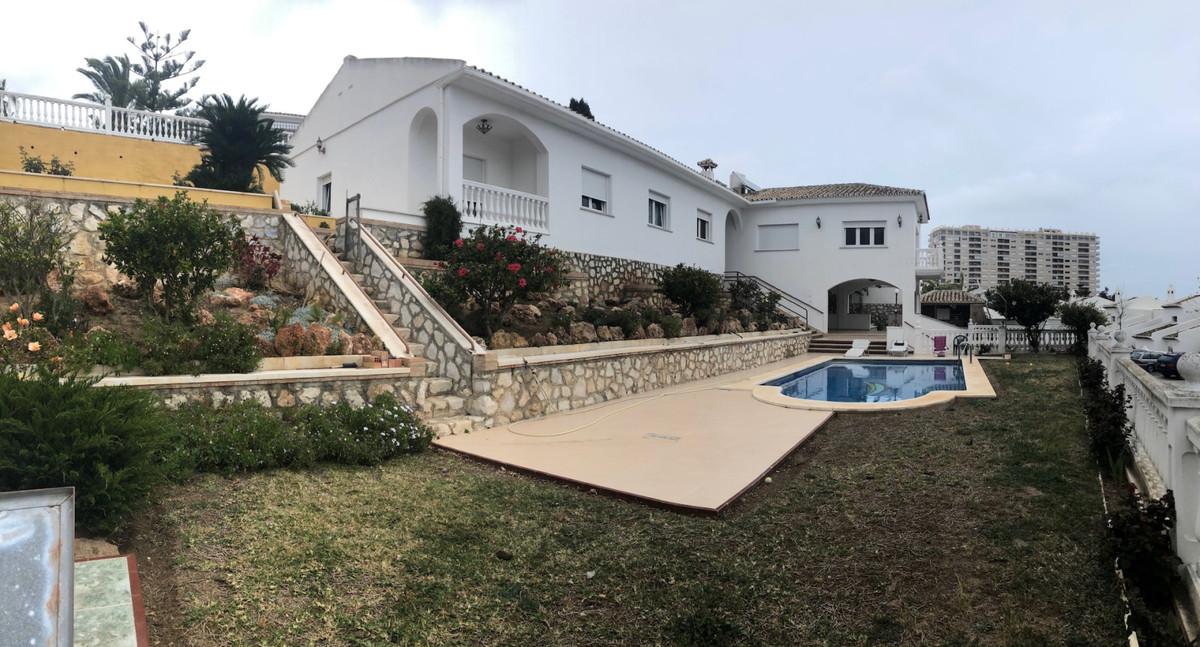 Villa  Independiente en alquiler  en Torrequebrada