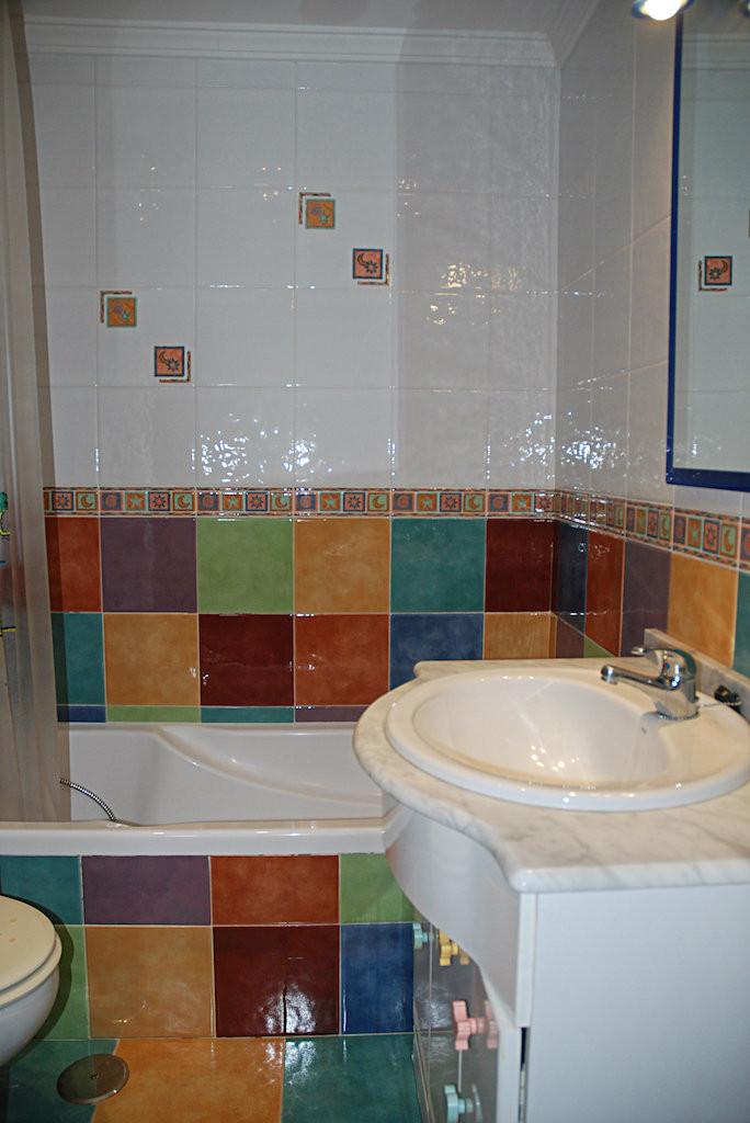 Adosada  en venta en  Alhaurín de la Torre, Costa del Sol – R3287032