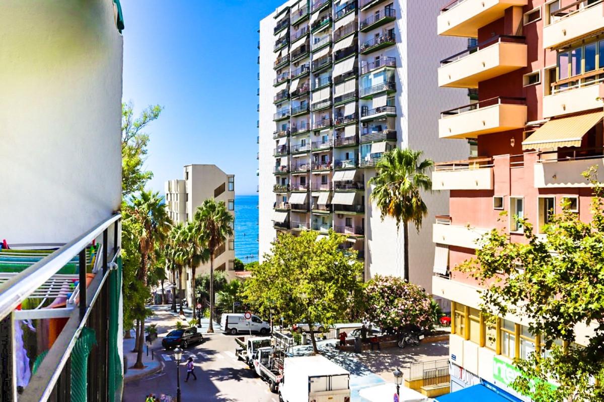 Marbella Banus Apartamento Planta Media en Venta en Marbella – R3693950