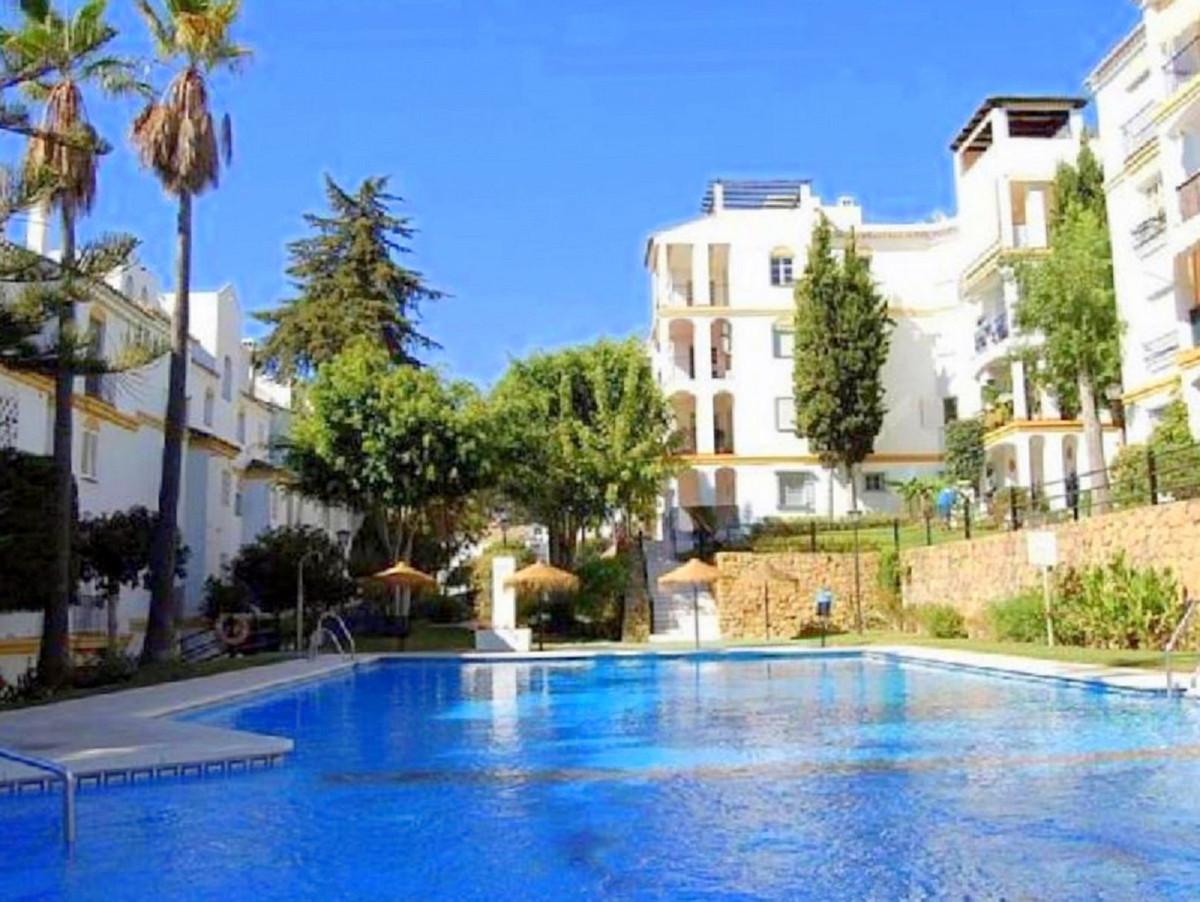 Marbella Banus Apartamento en Venta en Atalaya – R3720470