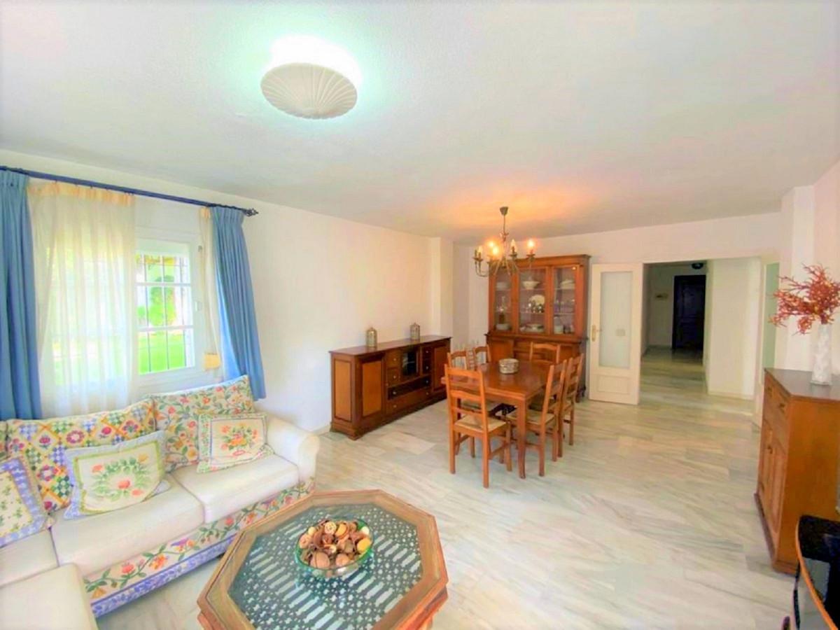 Apartamento en Venta en Atalaya – R3720470