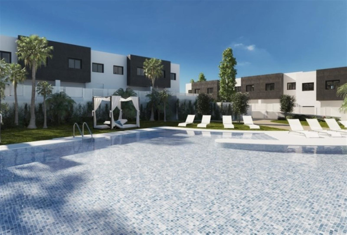 NEW DEVELOPMENT - WALKING DISTANCE TO BEACH!   Luxury homes with contemporary style just ten minutes, Spain