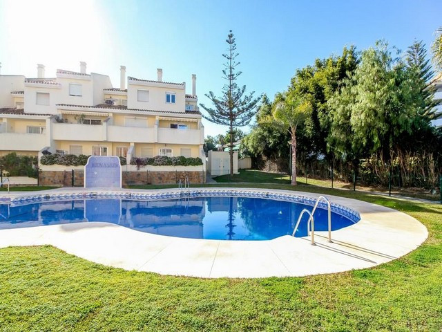 A GREAT PROPERTY IN THE CALAHONDA STRIP – A good sized 2 bed/1 bath apartment in Calahonda, situated,Spain
