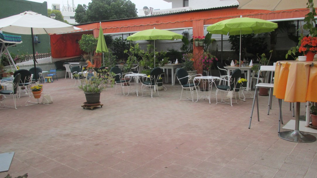 Bar- Restaurant for sale on the new golden mile, walking distance to the beach and close to several , Spain