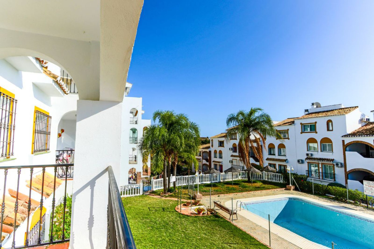 FANTASTIC OPPORTUNITY!!!  THE LARGEST 2 BEDROOM APARTMENT IN THE HEART OF CALAHONDA, COMPLETELY RENO, Spain
