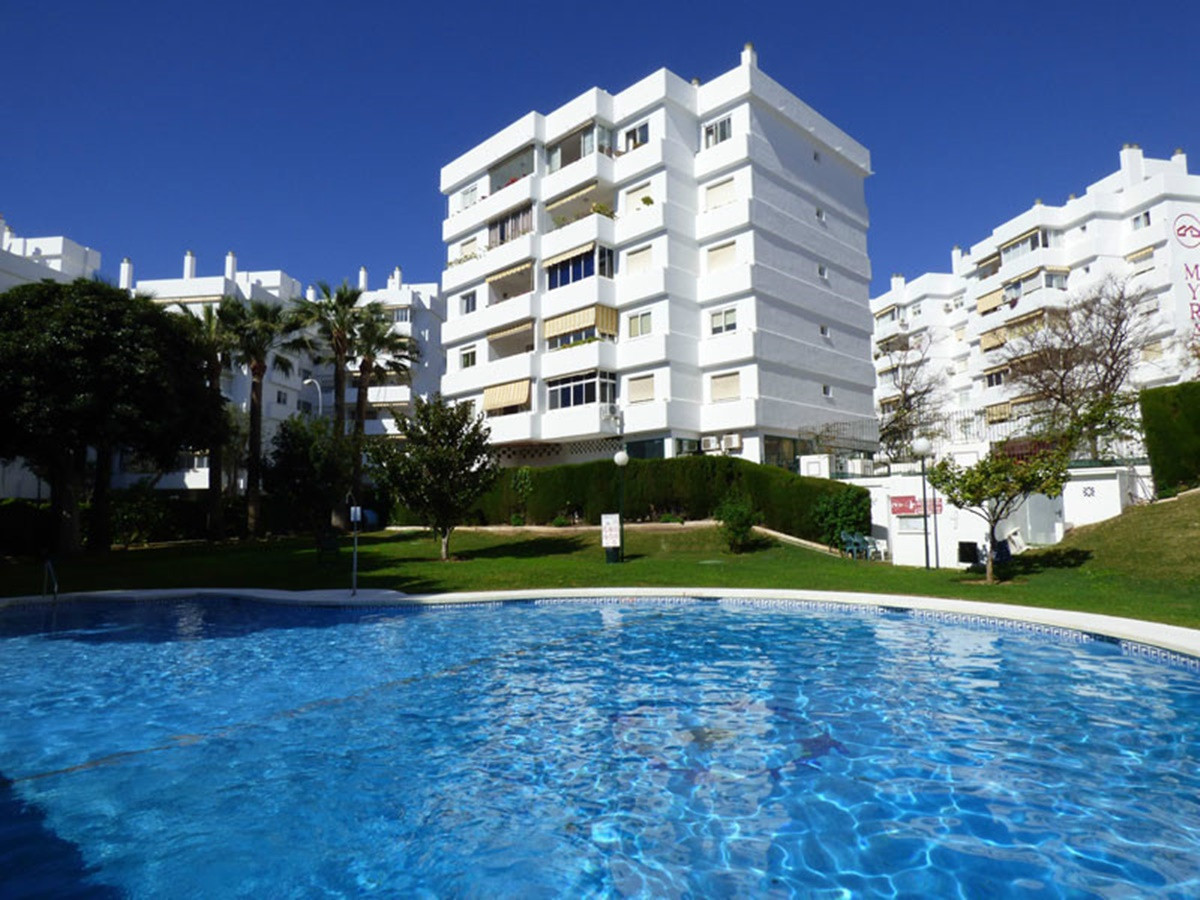 A lovely apartment in this sought after urbanisation is in a fantastic location, surrounded by bars,,Spain