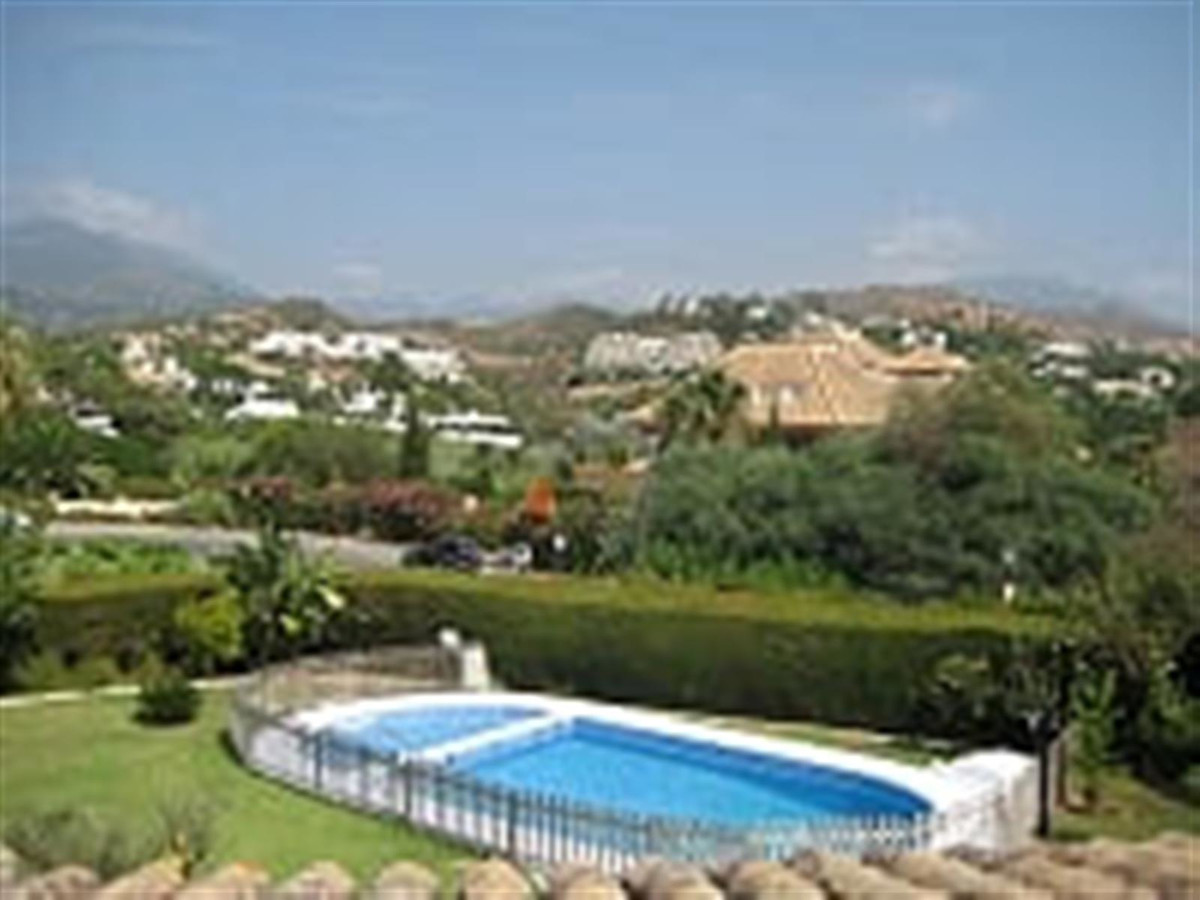 Villa Detached for sale in Las Brisas, Costa del Sol