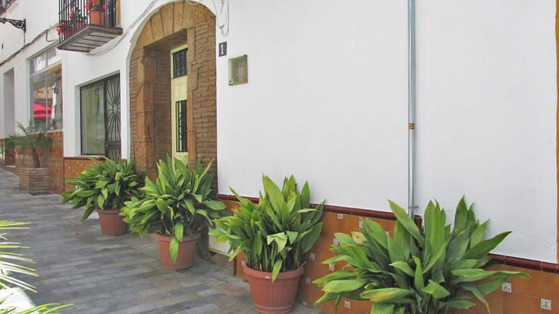 Marbella Banus Adosada en venta en Marbella – R2688101