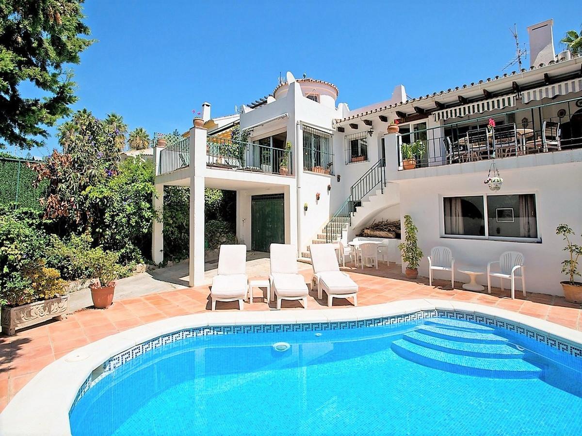 Marbella Banus Villa – Chalet en Venta en Nueva Andalucía – R3368812