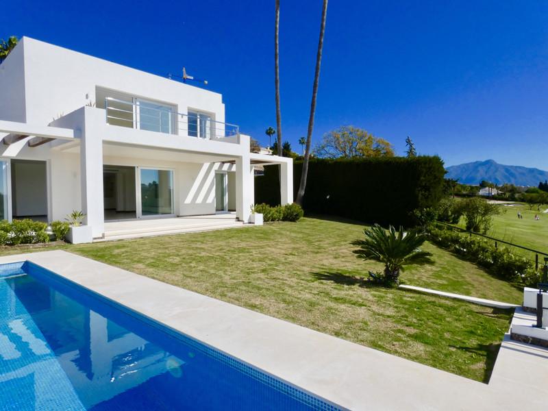 Marbella Banus Villa – Chalet en venta, El Paraiso – R3410299