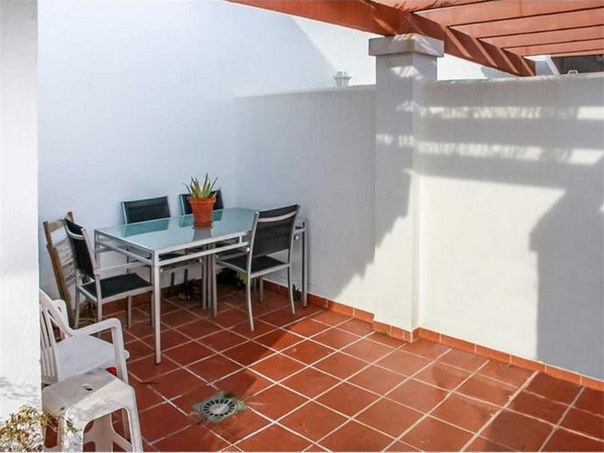 Apartment Middle Floor in Calahonda, Costa del Sol