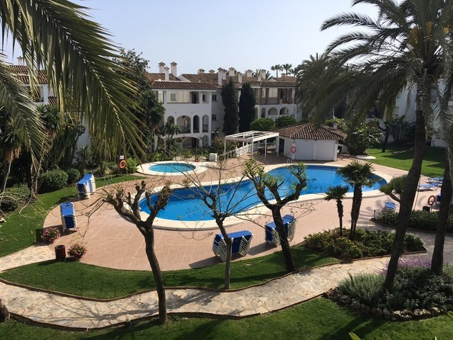 Fantastic apartment frontline beach complex. This property is located in a well known complex, from , Spain