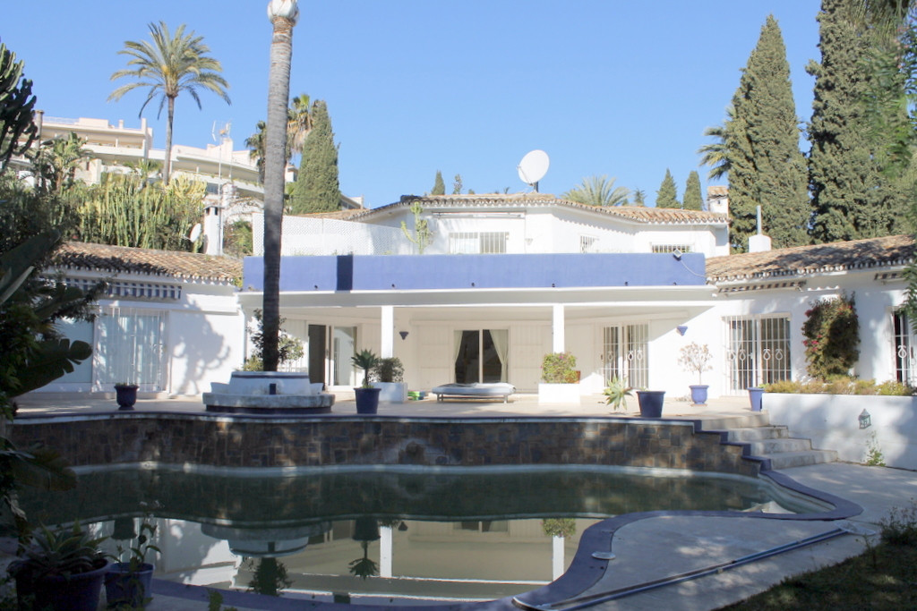 Villa Detached for sale in Las Brisas