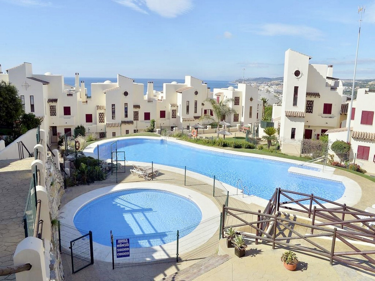 CASARES BEACH - Great middle floor apartment which offers a lounge and living area that leads to sou,Spain