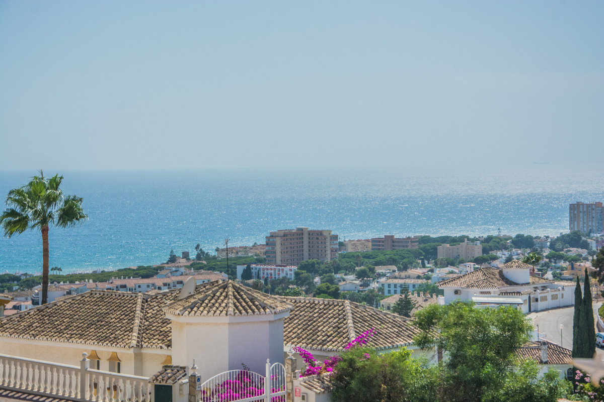 Completely refurbished penthouse in Riviera del sol only 12 minutes walking to the beach with panora,Spain