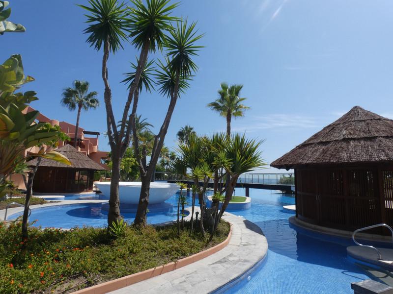 Marbella Banus Apartamento Planta Baja en venta en New Golden Mile – R3510712