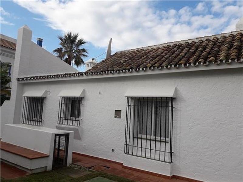 R3335059   Semi-Detached House in Cancelada – € 245,000 – 2 beds, 2 baths