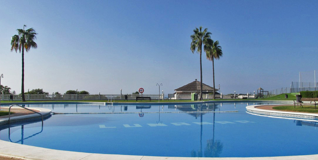 Beachfront 3 beds & 2 baths south facing duplex penthouse walking distance to the beautiful beac, Spain
