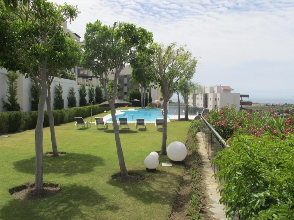 Marbella Banus Apartamento Planta Media en Venta en Los Flamingos – R2784443