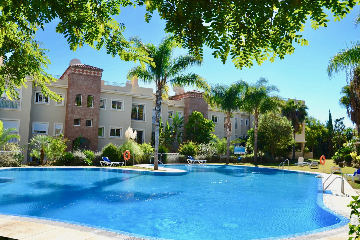A beautiful spacious apartment with a huge terrace and a gorgeous panoramic view.  Great location inSpain