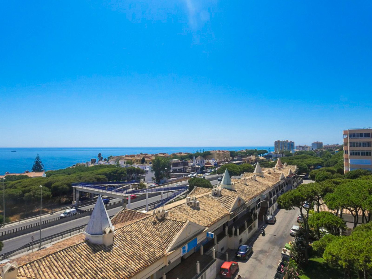 Fantastic apartment with panoramic sea and mountain views.  This apartment is walking distance to ev,Spain