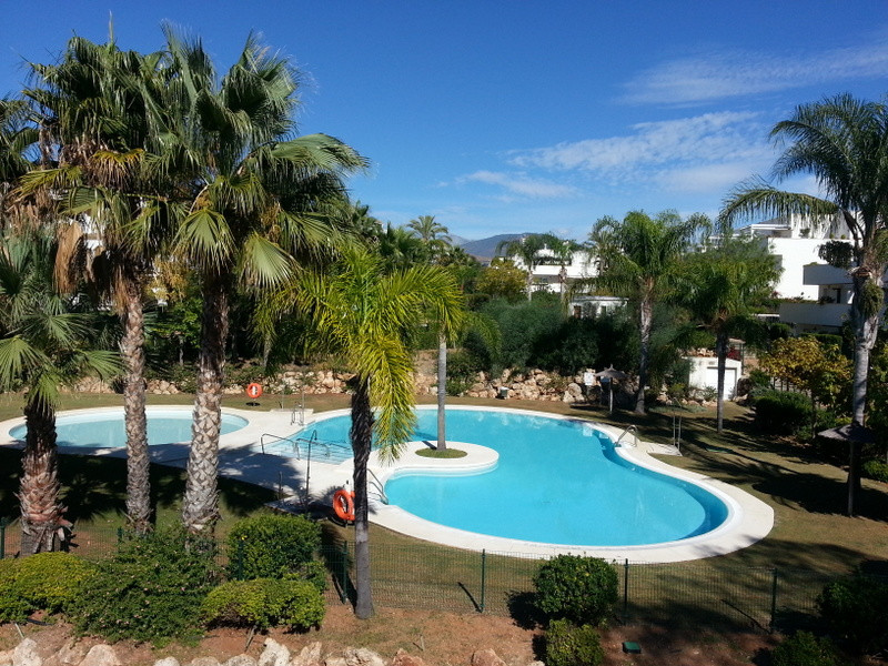 FANTASTIC 3 BED 2 BATH PENTHOUSE IN A SOUGHT AFTER URBANISATION IN NUEVA ANDALUCIA  IT HAS A HUGE SO,Spain