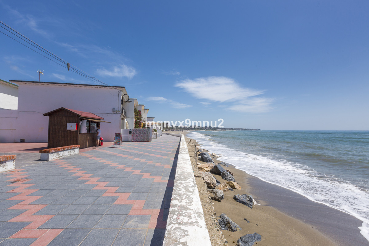 Brand new Scandinavian style apartment just completed. 50 metres to the beach. Only new build modern, Spain
