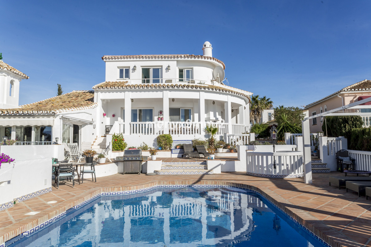 This magnificent villa is ideally located just 5 minutes walk to the beautiful beaches and a 5 minut, Spain