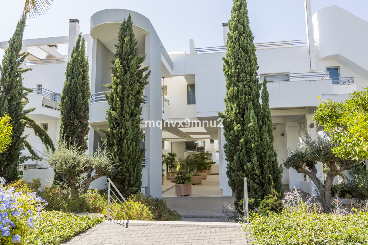 A beautifully presented penthouse apartment, set in mature and well kept gardens with 3 pools.  Ente, Spain