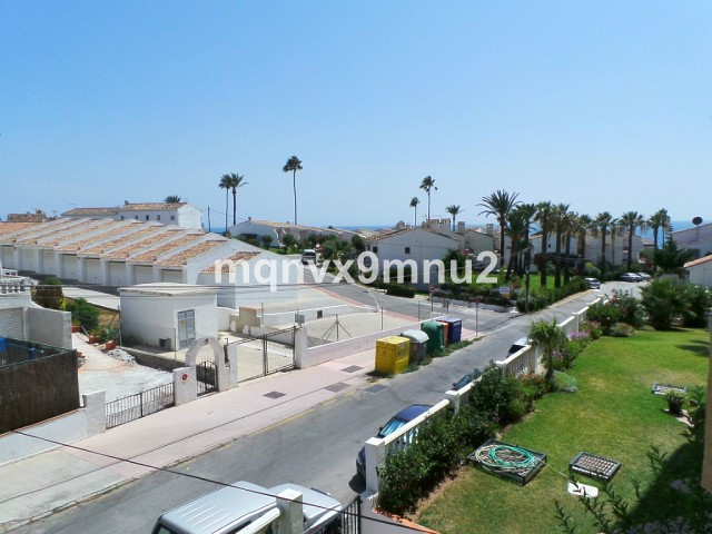 Middle Floor Studio, La Cala, Costa del Sol. Built 40 m², Terrace 5 m².  Setting : Close To Sea. Vie, Spain