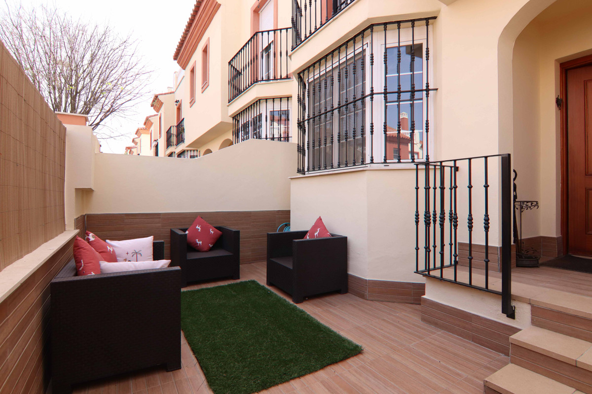 Brilliant semi-detached house in Almayate. The house is located in an urbanization with communal poo,Spain