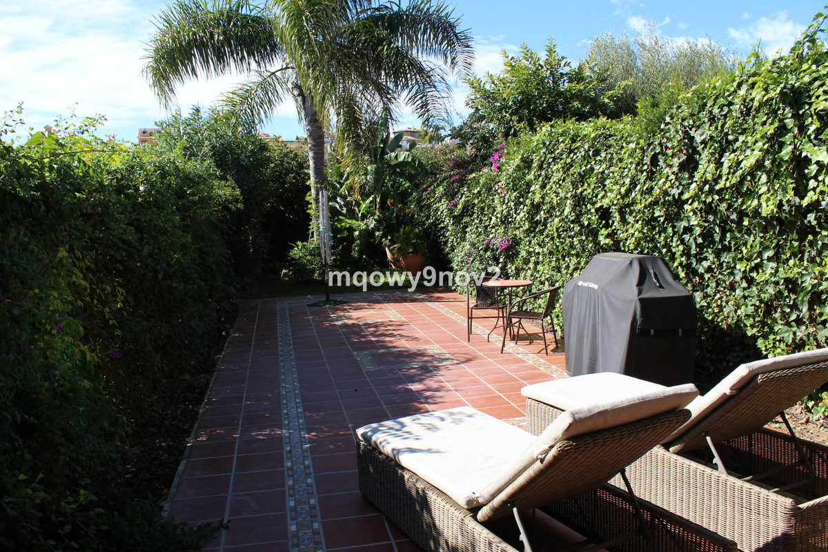 Cozy townhouse in Benalmadena Costa with a great location to the beach, restaurants and shops. The a,Spain