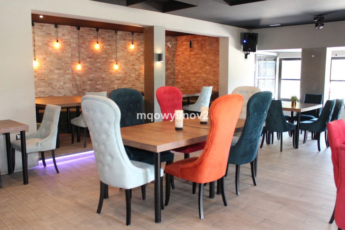 Trapaso 160,000 e/Rent 2300e /Month+Tax ,Very stylish newly renovated restaurant, pub tavern in the ,Spain