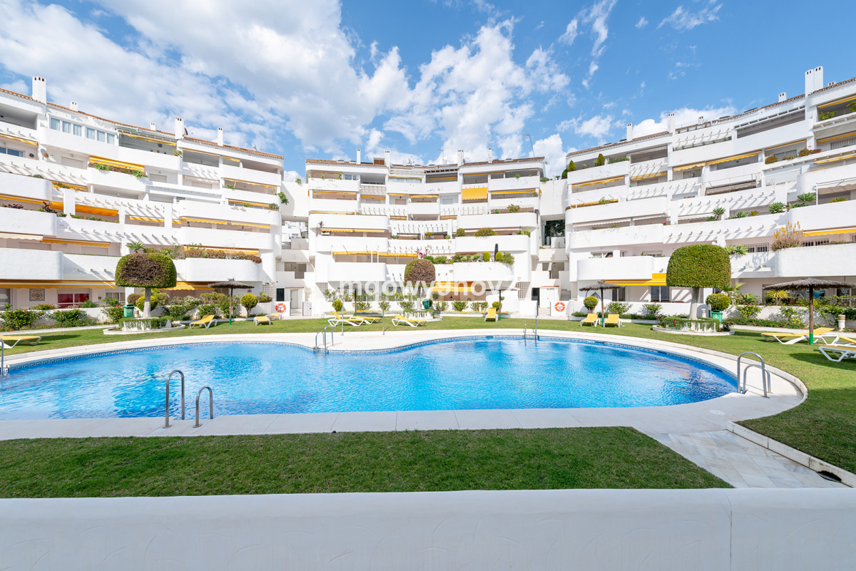 This nice partly renovated Duplex Penthouse is located in Nueva Andalucia (El Dorado),a stone's,Spain
