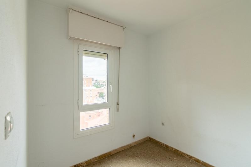 R3605651 - Middle Floor Apartment in Málaga Centro for ...