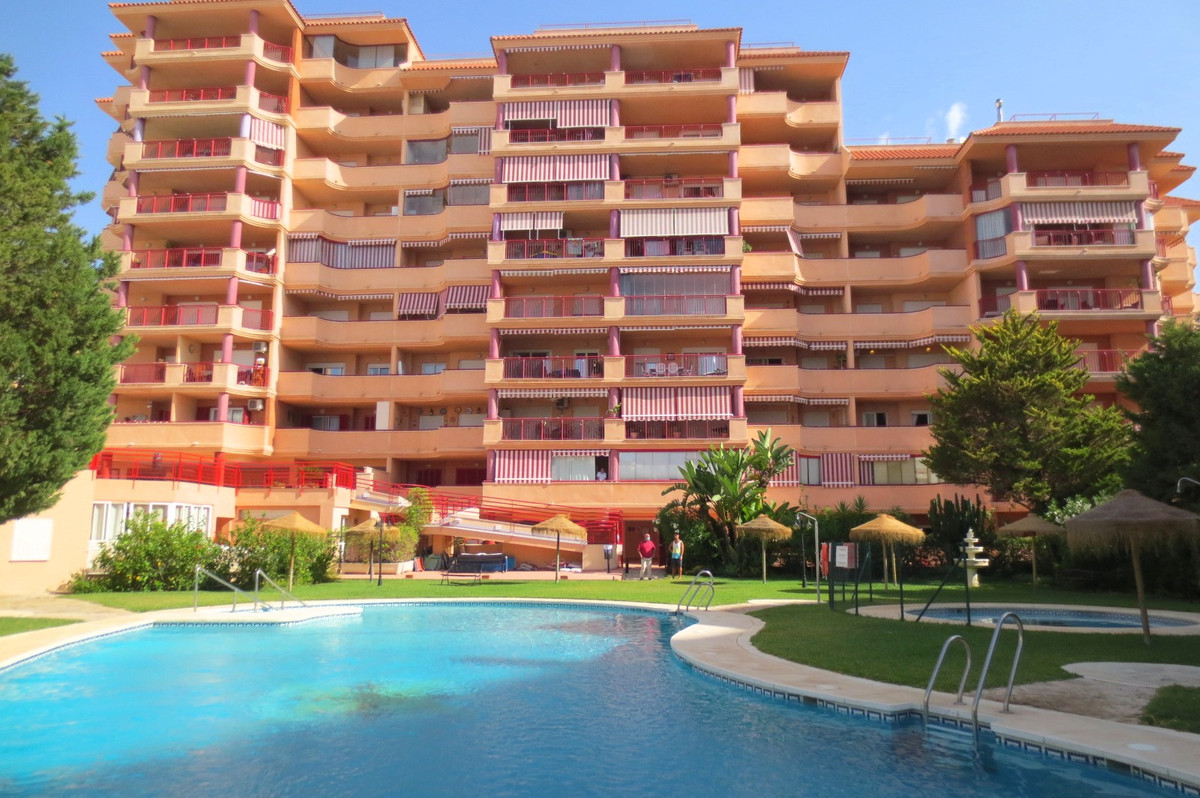 Middle Floor Apartment, Torreblanca, Costa del Sol. 2 Bedrooms, 2 Bathrooms, Built 102 m², Terrace 8, Spain