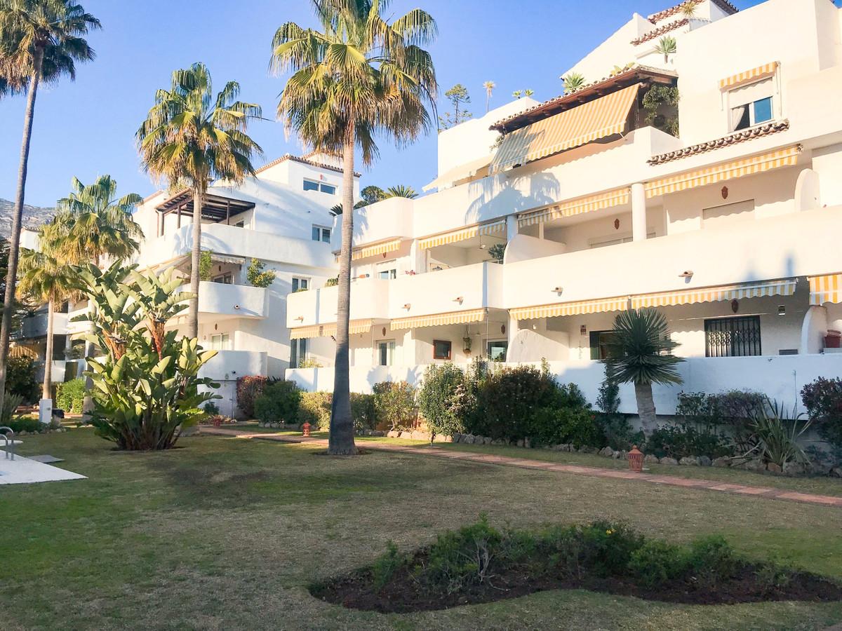 Fantastic elevated ground floor apartment in Jardines de Sierra blanca urbanisation. East facing. Ve,Spain
