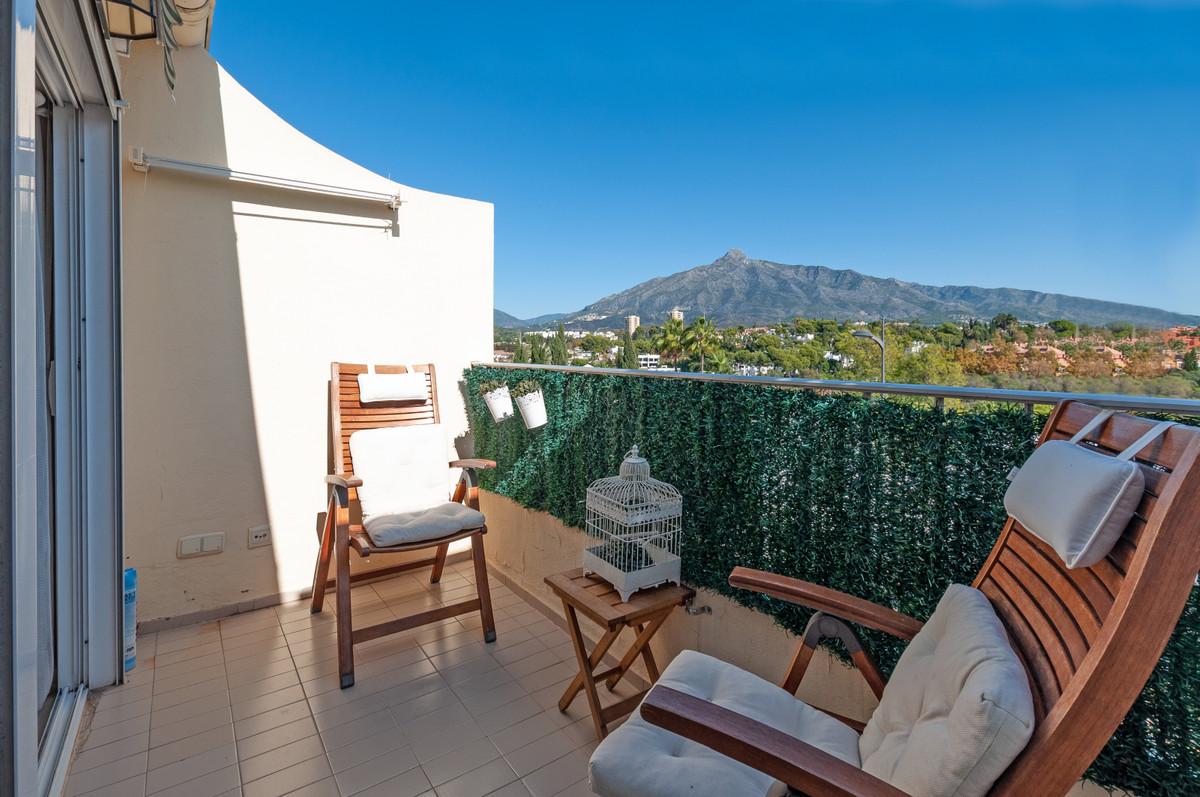 Apartamento en Venta en Nueva Andalucía – R3749605