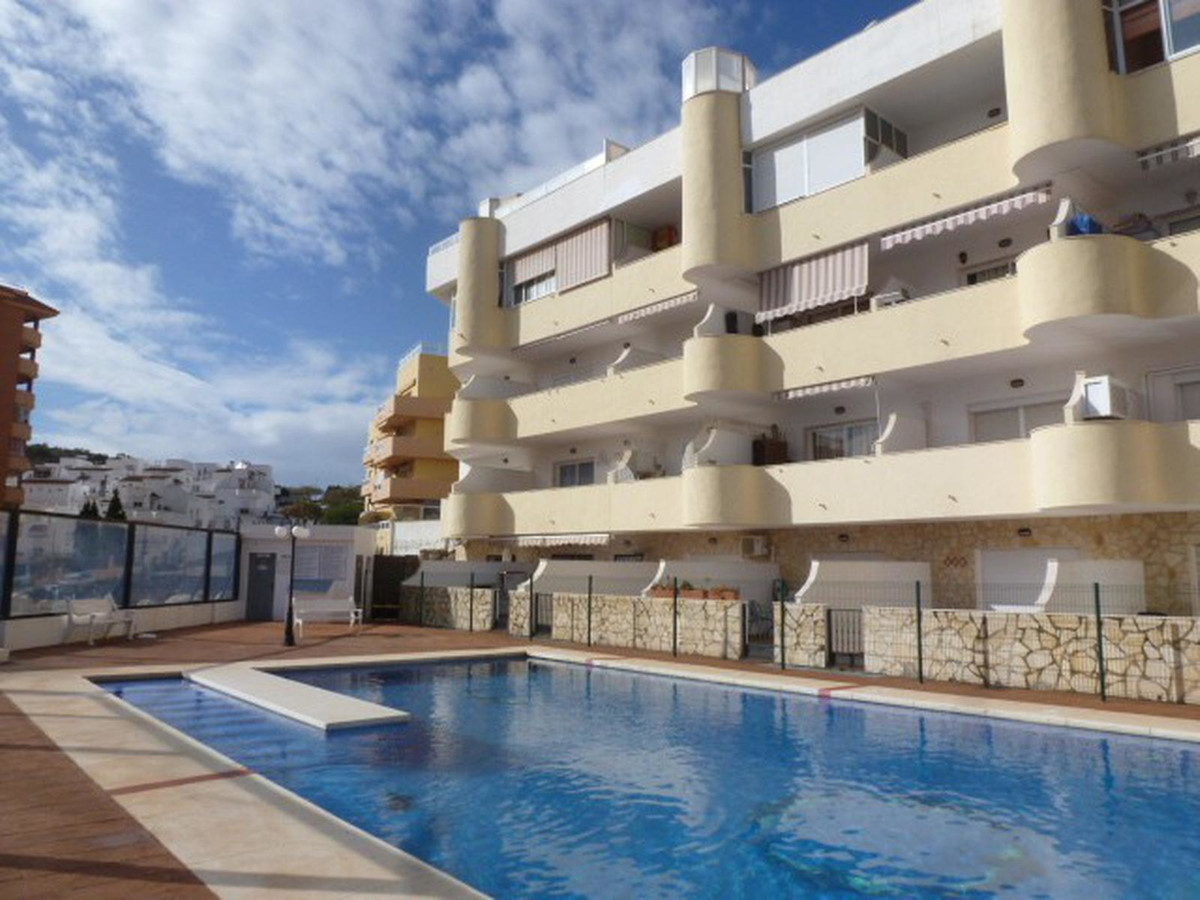 Fantastic estudio apartment located in the lower part of Torreblanca. Walking distance to all amenit, Spain