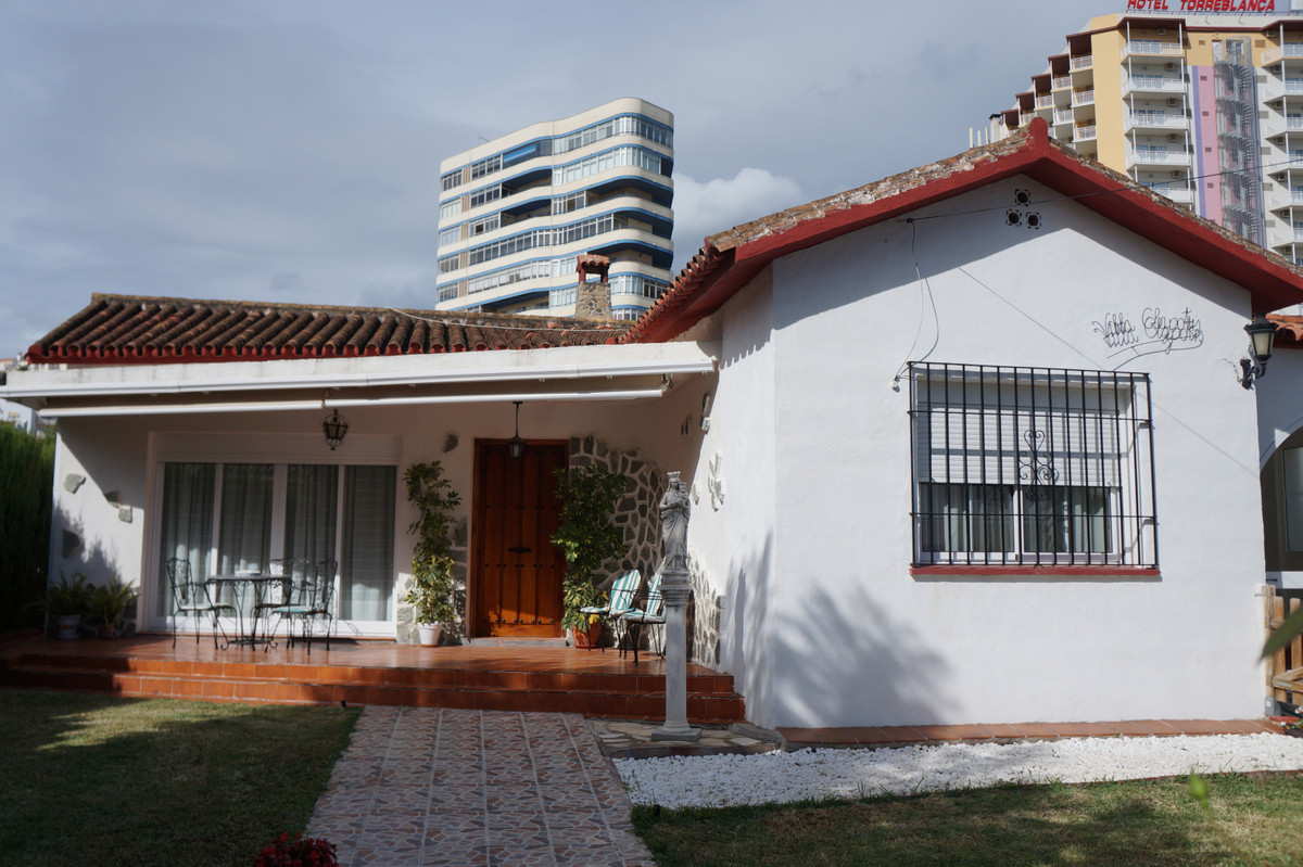 Villa 5 Dormitorios en Venta Torreblanca