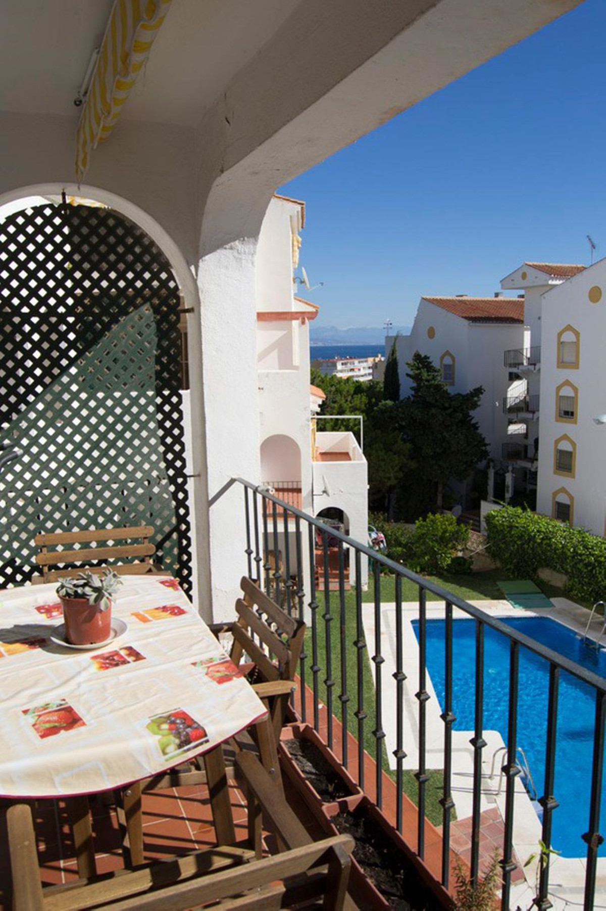 1 bedroom 1 bath , spacious , fully furnished apartment in a beautiful and quiet urbanization with c,Spain