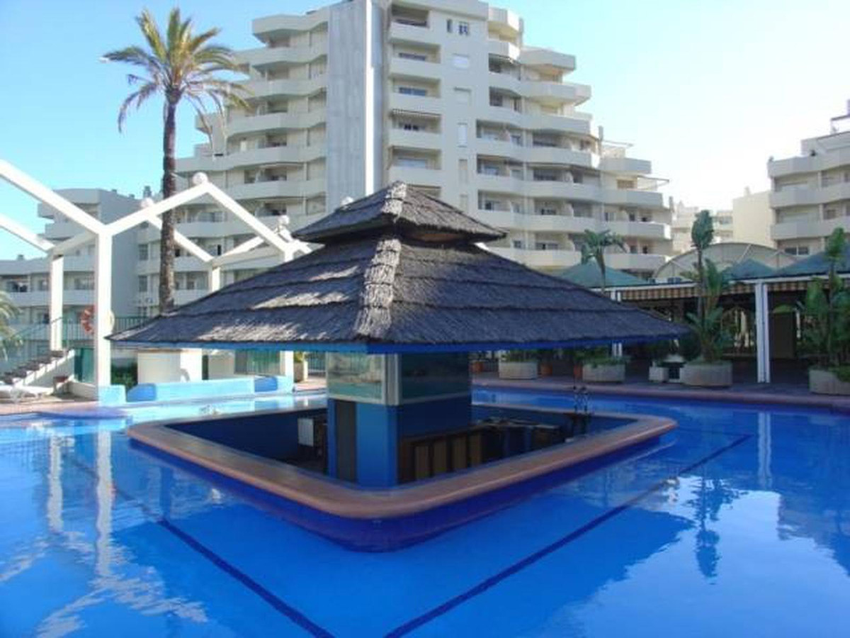 Fantastic apartment in Benalbeach close to the paloma park, shops , amenities , public transport and, Spain